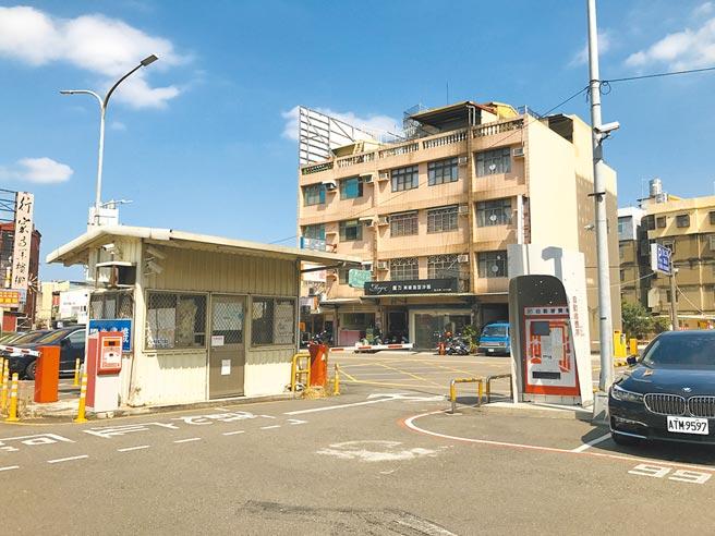 舊有的西大路停車場僅100席汽車位,無機車位,已無法滿足民眾需求。(新竹市府提供/邱立雅竹市傳真)
