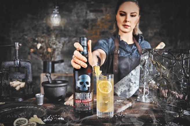 Smokehead骷顱頭高壓電58單一麥芽蘇格蘭威士忌58%作品,威力相當驚人。(Spirits Arts品藝術提供)飲酒過量 有礙健康