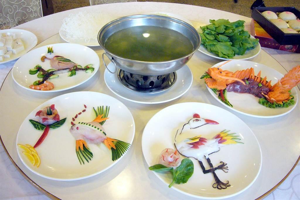 幾已失傳的江南菊花鍋手工菜色。(本報系資料照片)