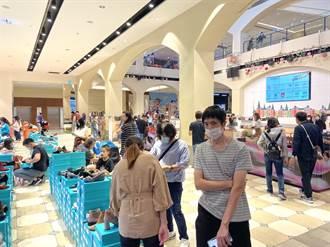 麗寶Outlet Mall部署秋冬防疫 全台獨家繽紛口罩牆爆紅