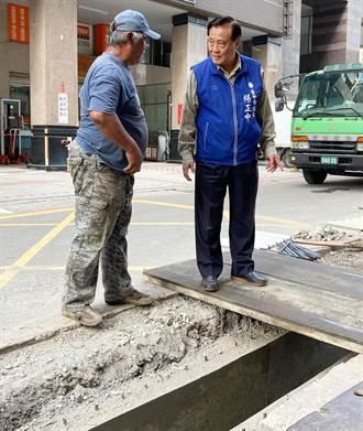 地下室長年滲水竟是路邊溝破洞 建設局:盡速派工搶救