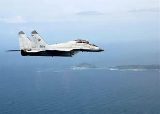 印度海軍MiG-29K戰機墜毀阿拉伯海 1尋獲1失蹤