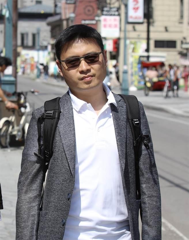 賴信志從事導遊工作已20年,他希望以緩慢細膩的角度帶領讀者旅行。(翻攝照片/林郁平台北傳真)
