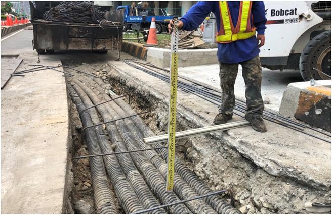 建設局並同解決該路段地下管線埋設問題。(台中市政府提供/陳世宗台中傳真)