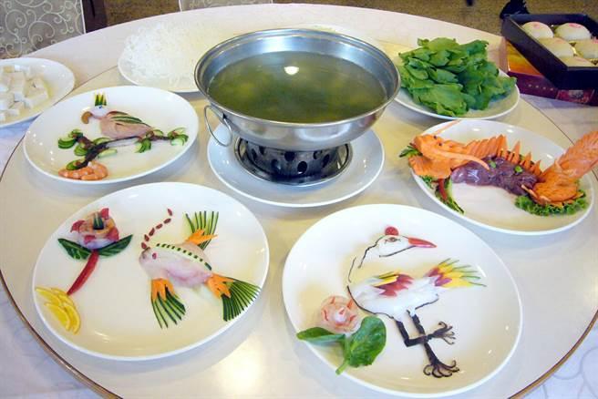 几已失传的江南菊花锅手工菜色。(本报系资料照片)
