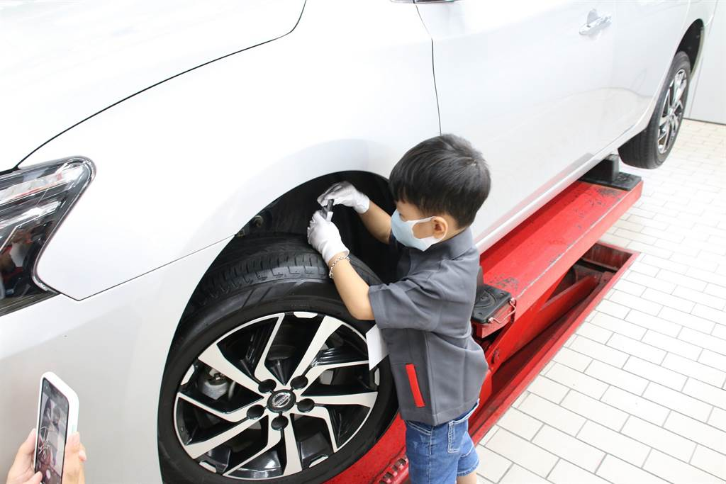 「NISSAN 2020小小汽車達人」服務廠工作體驗營圓滿落幕,活動報名熱烈,獲得參加車主朋友高度肯定。