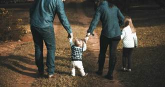 单亲妈忏悔「险成恶魔」杀儿子 多年后愧疚问恨妈妈吗 回覆藏洋葱