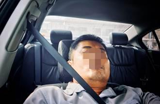 車沒熄火酒氣男呼呼大睡 警遭控縱放酒駕 三民一分局認:有疏失