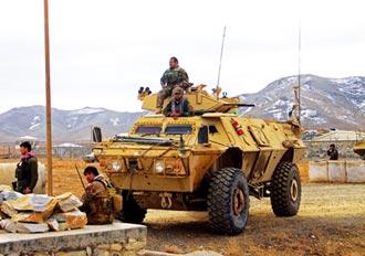 阿富汗2炸彈攻擊 近百人死傷