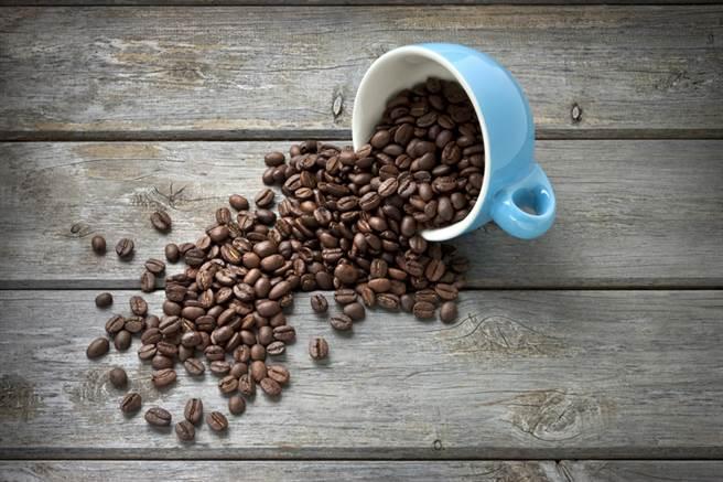 研究發現:第2型糖尿病患者多喝綠茶、咖啡,有可能降低早期死亡風險。(圖/常春月刊提供)