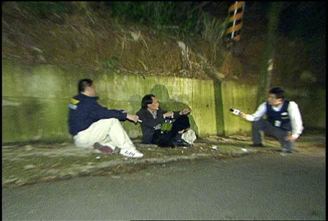 身綁炸藥的黃金生在引爆前向假扮記者的警方偵查員訴苦。(報系資料照片)