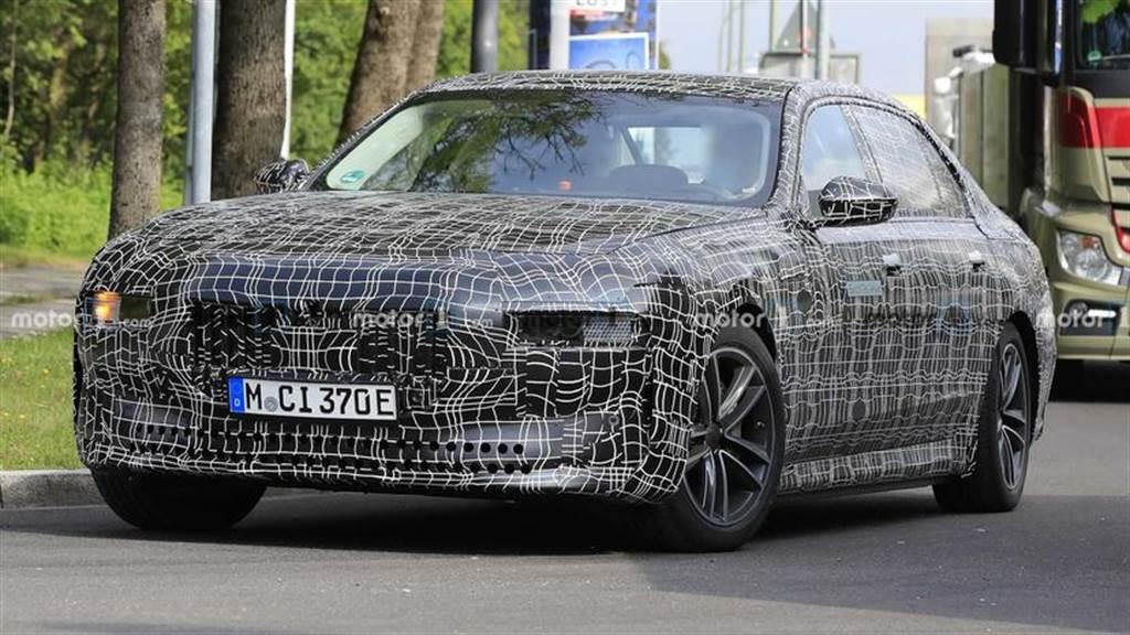BMW i7 豪華電動房車性能曝光:搭載 100kWh 大電池,500+ 匹馬力輸出