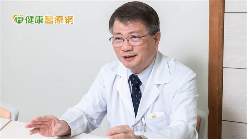 蘇維鈞主任呼籲,現今新冠肺炎疫情尚未緩解,加上流感季節來襲,民眾除施打流感疫苗外,也別忽略了一年四季都可能發生的百日咳高度傳染病。(圖/健康醫療網提供)