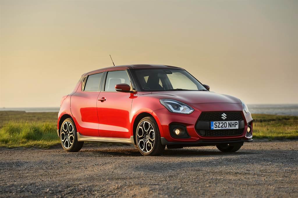 性能版本Swift Sport將搭載1.4升Turbo引擎加上輕油電科技輔助,再搭上車迷最愛的6速手排,相當令人期待!(圖為海外車型)