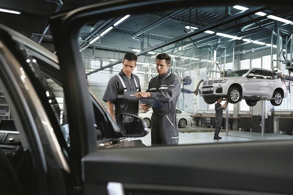 自12月1日至12月31日前預約回廠,除享六大項免費車輛檢查外,超過800項原廠精選零件更享有68折起特惠。