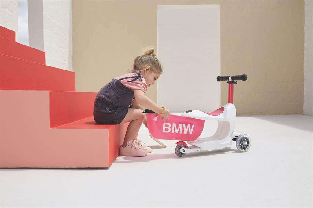 兒童聖誕送禮首選BMW兒童滑板車。