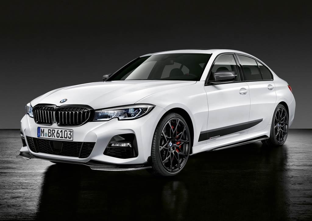 購買指定車型M Performance水箱護罩享M Performance尾翼加購特惠。