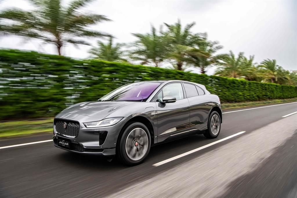 台灣捷豹路虎繼2019年盛大發表次世代Jaguar I-PACE純電跑旅,成功以「英倫電豹靜襲台灣」創造話題後,如今更宣佈與台灣充電設備領導品牌Noodoe(拓連科技) 合作,即日起提供既有與未來Jaguar I-PACE車主免費享有一年Noodoe全台環島充電網之會員資格。