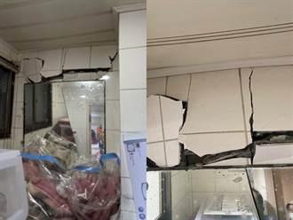 隔壁拆房怪手過猛打穿牆壁 女住戶見牆壁崩裂嚇傻拉母親逃