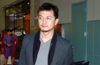 李亞鵬欠債案重審「要我趴下」錄音曝光 律師稱他被脅迫