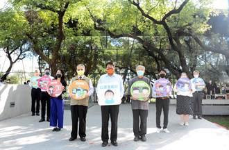 潘孟安呼吁民眾戴口罩 抢搭鬼灭之刃风潮