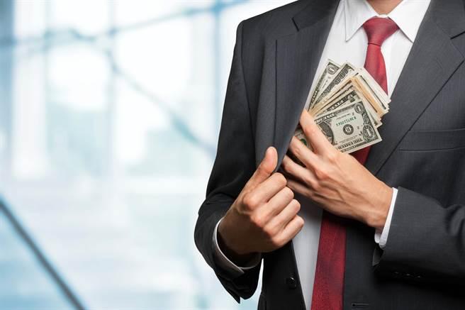 你把錢從別人的口袋轉移到你的口袋 你真的好意思嗎?(圖/達志影像shutterstock提供)