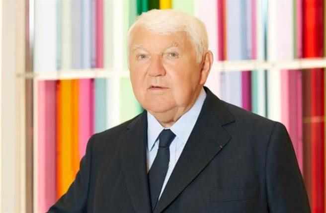 法国精品品牌 Longchamp 现任总裁 Philippe Cassegrain 传出在法国当地时间28日因新冠肺炎(COVID-19)病逝,享寿83岁。(图/IG@longchamp)