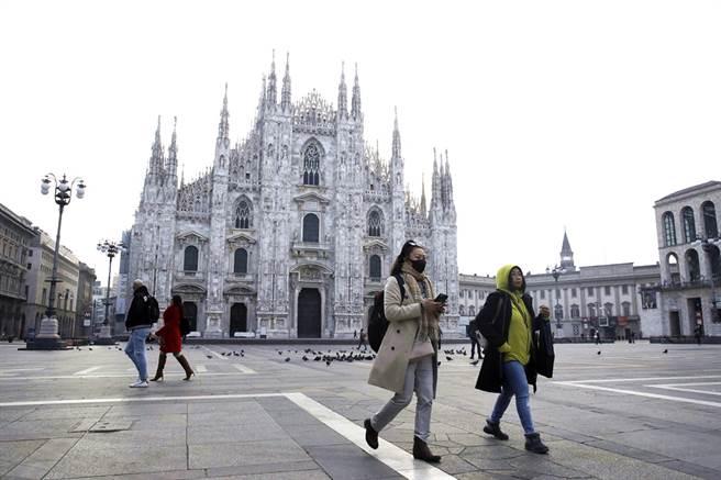 德國病毒專家科庫勒(Alexander Kekule)11月26日接受專訪時表示,義大利才是「全球新冠瘟疫的開始」,並非武漢,不過他強調是因為病毒來到義大利後突變得更具傳染力,之後散播全球。圖為義大利北部大城米蘭。(資料照/美聯社)