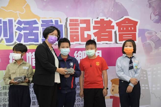 彰化縣長王惠美表示,彰化縣斷層帶約有32公里,災防教育應從小做起。(謝瓊雲攝)