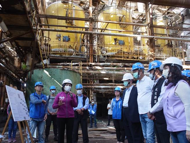 雲林縣長張麗善(左三)針對「再造歷史現場計畫」4案,向中央爭取17.5億元。(張朝欣攝)