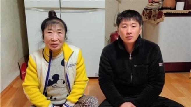 38歲網紅娶65歲妻 洞房驚覺「手感不對」 妻羞曝:我73歲(圖片截自影片)