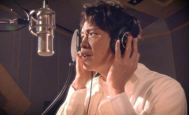 黃鐙輝為了「愛無限」主題曲,苦練多時。(TVBS提供)
