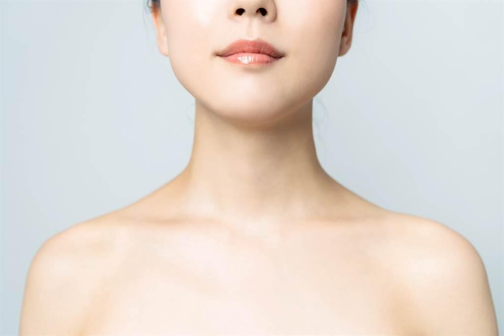 在相學裡,脖子代表權力慾望,胖者短脖、瘦者長脖的人,天生帶財運不缺錢。(示意圖/達志影像)
