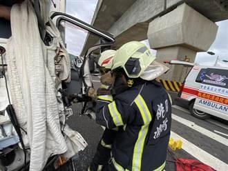 疑未注意車前狀況 物流車追撞前車駕駛卡車內