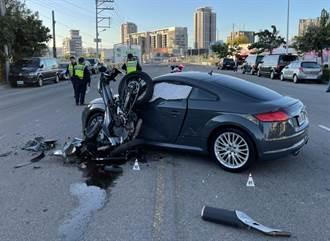 奧迪轎跑車迴轉撞飛黃牌重機騎士  送醫傷重不治