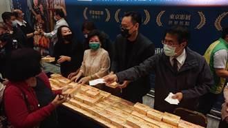 黃偉哲送蝦捲挺孤味 台南市政府力邀陳淑芳當觀光大使