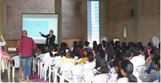 遠赴印度招生接軌400家企業 醒吾科大校長:學好英語放眼國際
