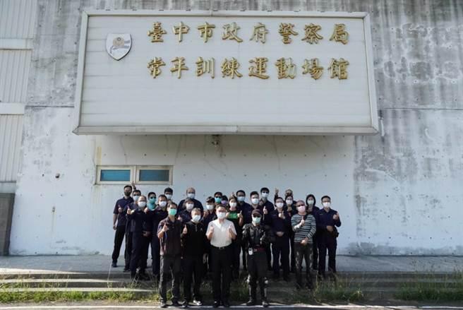 第四分局為增進警察同仁安全駕駛概念及技能,特辦理「員警駕車技能及操控技巧」訓練研習班,大大增加了同仁正確的駕駛觀念及技巧。(警方提供)