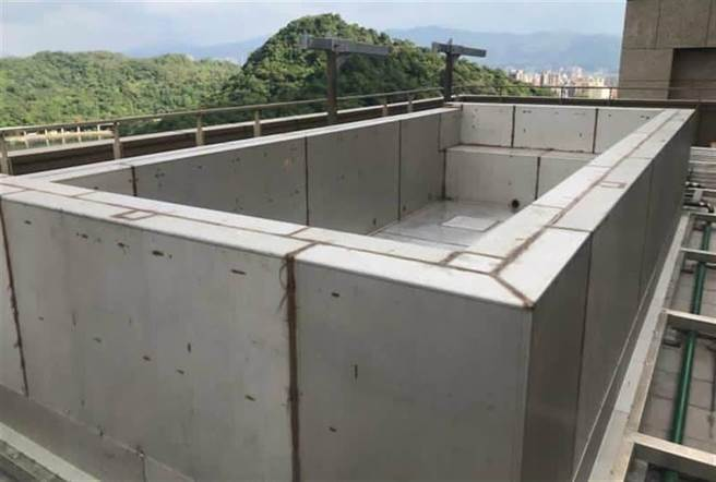 羅志祥在自家頂樓蓋露天游泳池,房市專家指出,此做法至少有三大隱憂。(圖/台北市建管處提供)