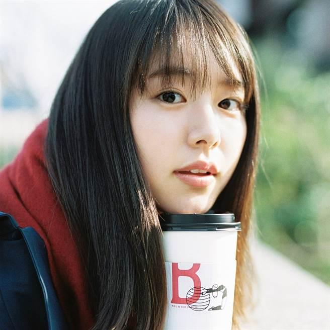 唐田英里佳介入渡邊杏與東出昌大的婚姻。(圖/推特@唐田英里佳)