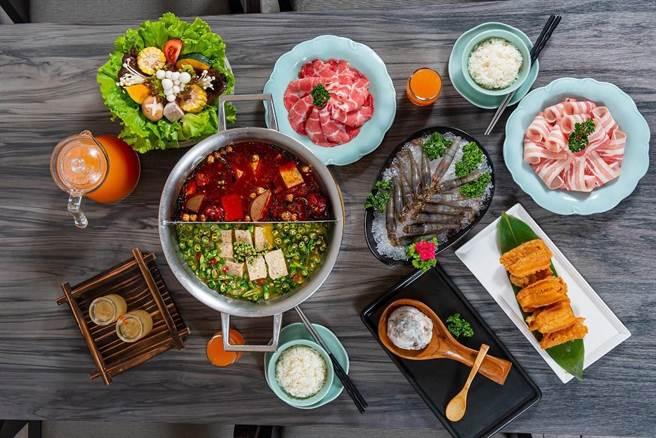 參加尋找青花驕美味秘辛解謎活動,點「青紅雙鍋」,送肉品三選一。(王品提供)