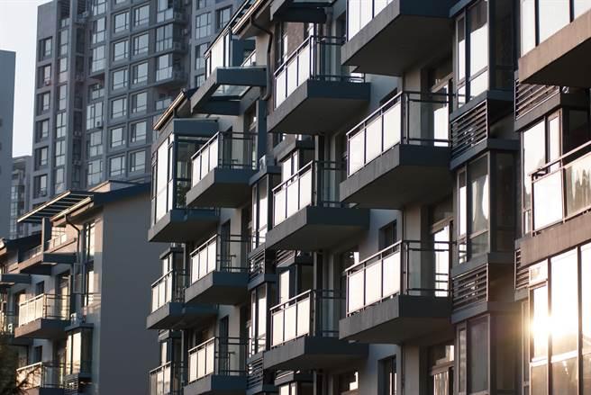 大陸有城市房價與最高點相比已回彈超過45%。(shutterstock)