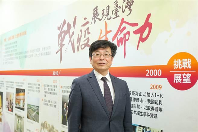 疾管署署长周志浩,疫情下的铁汉柔情。(图/常春月刊提供)