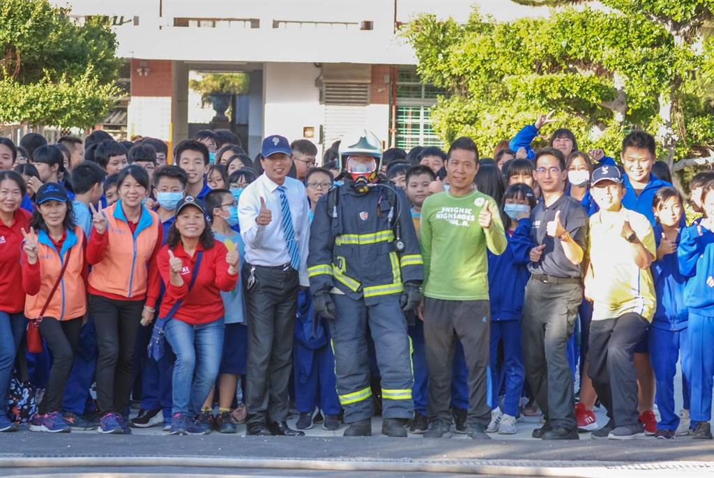 日南國中舉辦「公共安全消防體驗教育」。(日南國中提供/陳淑娥台中傳真)