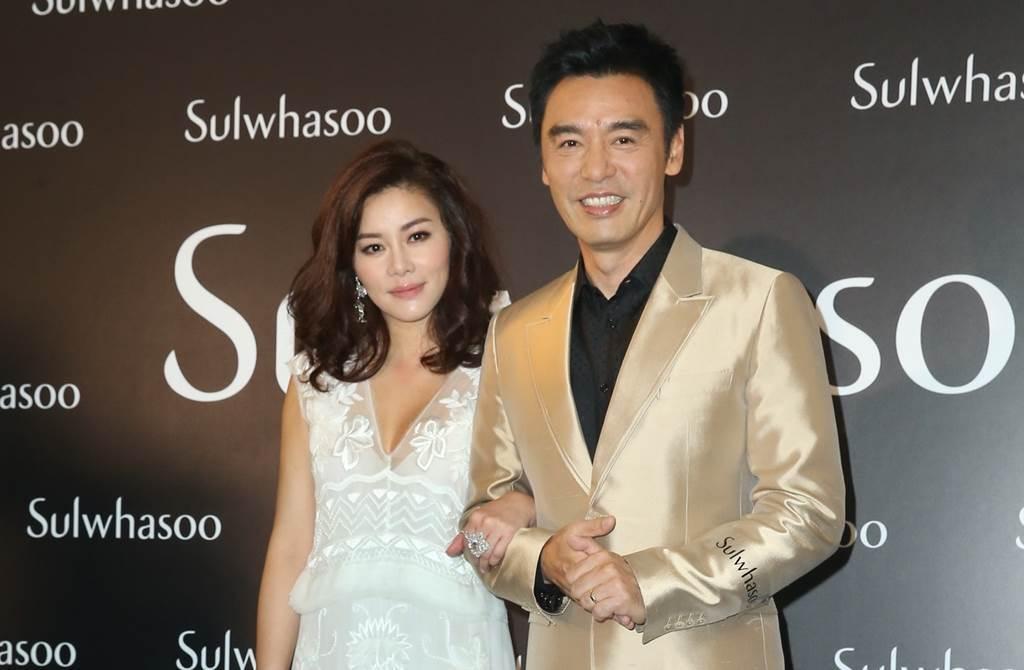 鍾鎮濤、范姜素貞6年前補辦婚禮。(圖/中時資料照片)