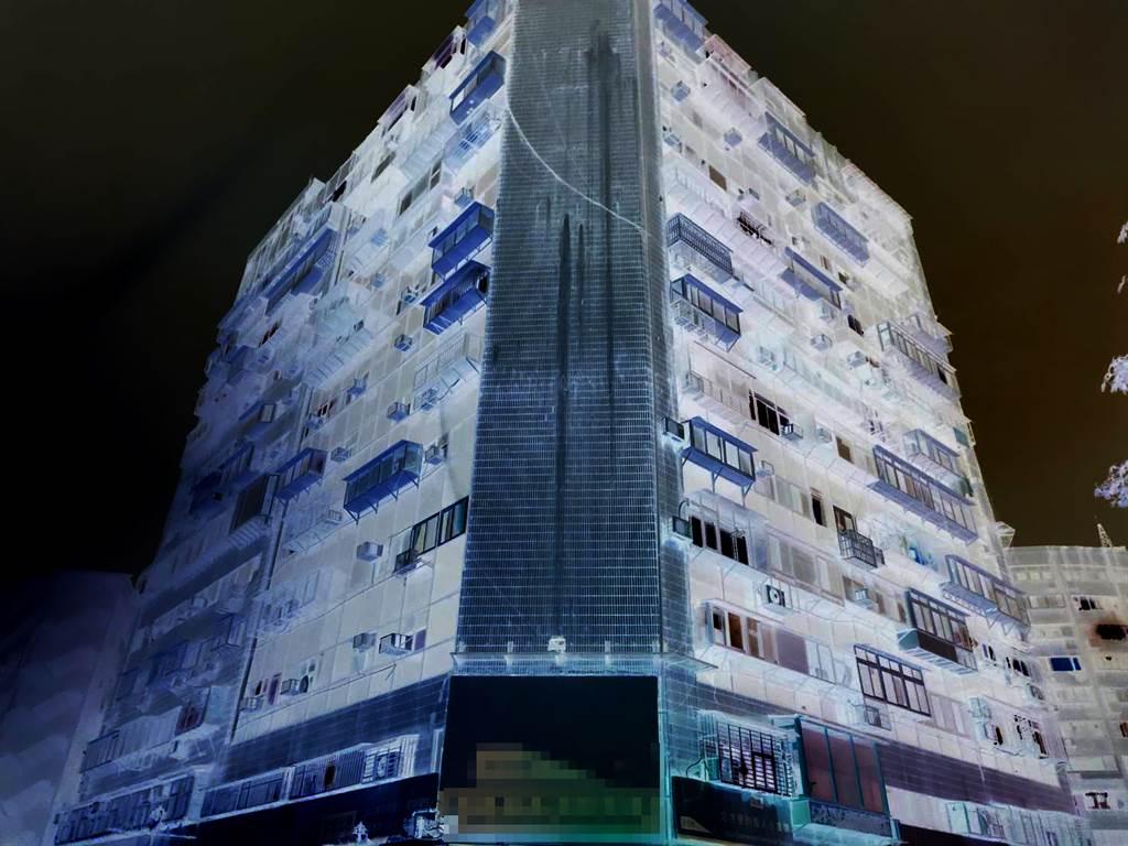 北市錦新大樓為美式建築,外觀經變色處理。(照片/游定剛 拍攝)