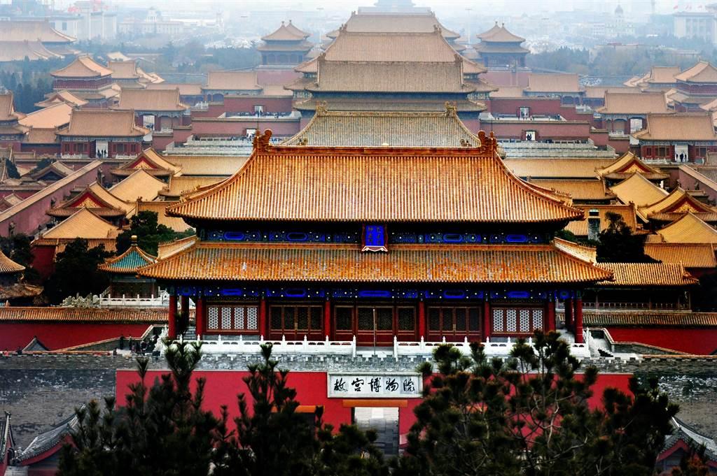 故宮內的養心殿原本作用像「手工作坊」,沒想到從清朝雍正皇帝開始,便被當成寢室。(示意圖/達志影像)