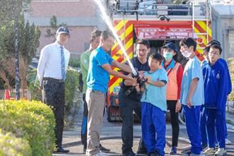 消防體驗搬進日南國中 義消企業家露一手