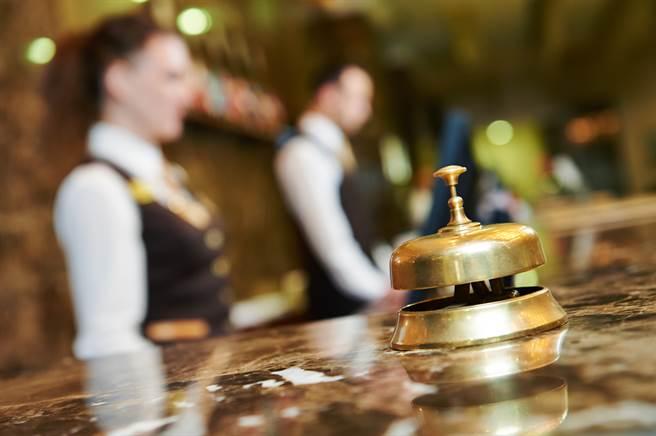 男子以為在旅店很吃得開,頻頻在旅店鬧事、威脅旅店人員。(示意圖/達志影像/Shutterstock提供)