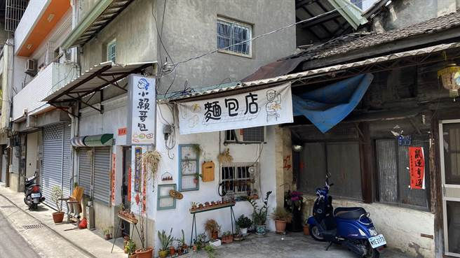 「小賴哥包」社區型麵包店是間不修邊幅的小店。(王文吉攝)
